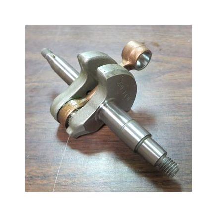 Makita Crankshaft for Chainsaws - 027120010
